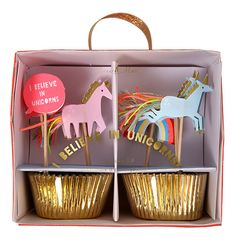 """This unicorn cupcake decorating kit is the perfect addition to any magical celebration. Gold foil cupcake cases with unicorn, rainbow and """"I Believe in Unicorns"""" toppers. Contains 24 cupcake cases, 24"""