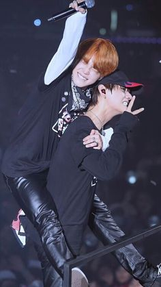 Jimin And Taehyung Bts Jimin, Bts Bangtan Boy, Foto Bts, Bts Photo, V Taehyung, Namjoon, Jikook, Frases Bts, Oppa Gangnam Style