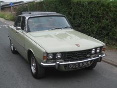 1974 Rover 3500 Maintenance/restoration of old/vintage vehicles: the material… Rover P6, Car Rover, Classic Cars British, British Sports Cars, Vintage Cars, Antique Cars, Classic Motors, Car Humor, Fast Cars