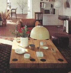 coffee table with table lamp (architect/designer: Norman Jaffe, NY - 1601 Decorating Ideas for Modern Living) Modern Interior Design, Interior Styling, Interior Architecture, Interior And Exterior, Interior Decorating, Decorating Ideas, French Decor, French Country Decorating, French Country Living Room