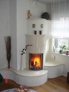 heizkamin schlicht wei gemauert mit stahlfunkenplatte. Black Bedroom Furniture Sets. Home Design Ideas