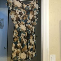 Cute Lush Dress In perfect condition. Open sleeves as shown. Lush bought from Nordstroms. Lush Dresses Mini