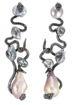 #Lydia Courteille earing #2dayslook #fashionstyleearing www.2dayslook.com