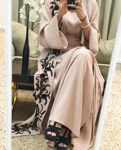 @byalmuna Luxury caftan available whatsaap order price. 1900. Dhs We deliver worldwide