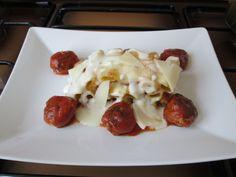 Pàtes-  Rigatoni  au  four   avec  sauce de  fromage   coulant  et  boulettes de  veau  au tomates  Gino D'Aquino