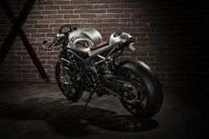 Cafe Racer, custom and classic motorcycles from around the globe. Featuring the world& top builders of custom motorcycles and Cafe Racers since R Cafe, Cafe Bike, Cafe Racer Bikes, Cafe Racers, Triumph Cafe Racer, Cool Motorcycles, Triumph Motorcycles, Custom Tanks, Custom Bikes