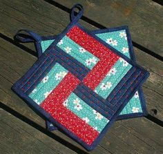 Stitchnquilt: Take a Block - and Make a Potholder Colchas Quilt, Quilt Blocks, Small Quilts, Mini Quilts, Potholder Patterns, Quilt Patterns, Quilting Projects, Sewing Projects, Quilted Potholders