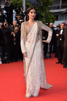 Sonam Kapoor in Anamika Khanna (Cannes 2013)