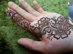 Mehndi palm by Cornish artist Red Hand Henna - henna oo nah nah - - Hand Henna Tattoo - Henna Designs Hand Palm Henna Designs, Palm Mehndi Design, Back Hand Mehndi Designs, Modern Mehndi Designs, Mehndi Designs For Fingers, Henna Tattoo Designs, Bridal Mehndi Designs, Mehandi Designs, Red Henna
