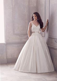 The classy princess look by Paloma Blanca