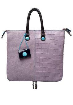 Per tutti i giorni punta su una maxi borsa comodissima e ultra capiente.  Gabs (€ 189)
