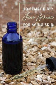 DIY Face Serum for Aging Skin - Please don't spend oodles of cash on toxic skincare products. Let us show you how to create your own DIY face serum for aging skin. Anti Aging Cream, Anti Aging Skin Care, Organic Skin Care, Natural Skin Care, Natural Oils For Skin, Natural Beauty, Haut Routine, Skin Care Routine For 20s, Skincare Routine