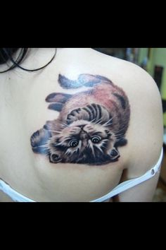 Find here the best cute cat tattoo ideas for girls and women, cat tattoos pictures cat outline tattoos and cat tattoo meaning Cat Outline Tattoo, Cat And Dog Tattoo, Kitten Tattoo, Cute Cat Tattoo, Cool Back Tattoos, Great Tattoos, Body Art Tattoos, Tatoos, Sleeve Tattoos