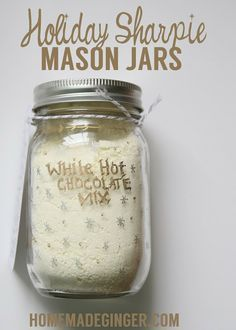 Holiday Sharpie Mason Jars & White Hot Chocolate Mix Recipe Make some homemade hot chocolate mix this holiday season. This white hot chocolate mix is THE BEST you will find and makes great teacher or co-worker gifts! White Hot Chocolate Mix Recipe, Homemade Hot Chocolate, Chocolate Bomb, Hot Chocolate Bars, Hot Chocolate Recipes, Chocolate Pudding, Chocolate Chips, Mason Jar Hot Chocolate Recipe, White Chocolate Powder
