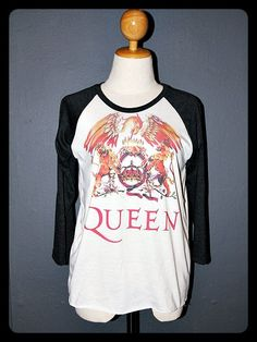 Gwen's t-shirt in Chapter 1 : High Speed.