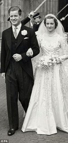 *PRINCESS DIANA'S PARENT's ~  Earl Spencer with Frances Shand Kydd at their wedding in 1954.