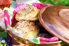 Sockerbulle med vaniljkräm Ca 30 st - Recept från myTaste Bagan, Baking Recipes, Cake Recipes, Sweet Dough, Joy Of Cooking, Bun Recipe, Swedish Recipes, Piece Of Cakes, Everyday Food