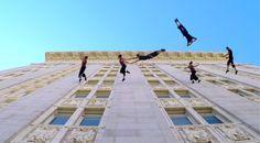 Vals de las Paredes: Un espectáculo de danza aérea del lado de los Atléticos de Oakland City Hall