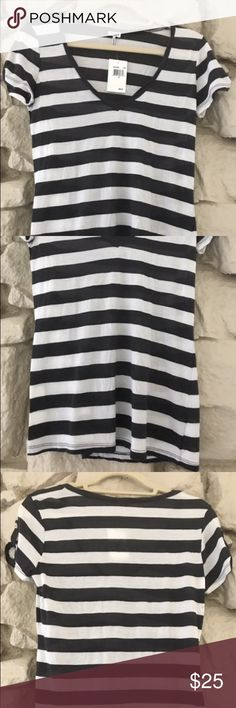 Splendid Blue/White Striped V-Neck Tab Sleeve Tee This short sleeve is detailed with signature Splendid stripes! Perfect to have as a great go-to basic layer to add to your wardrobe. The tab sleeves add an extra flare to an already stylish tee. New with tags and feels buttery soft! Size: M. Fits sizes S-M. Splendid Tops Tees - Short Sleeve