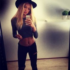 Cat in a hat,crop top,tiny-waisted, lovely Romee Strijd skinny sexy selfie <3