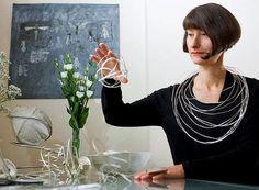 Joias ecológicas e esculturais de Ute Decker