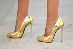 Giuseppe Zanotti pointed toe gold Frida pumps