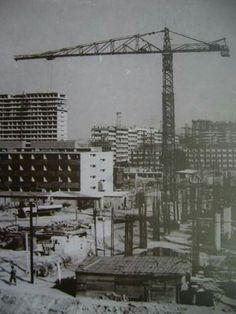 20 de noviembre de 1952, el presidente Miguel Alemán Valdez, inaugura la Ciudad Universitaria, proyecto de Mario Pani y Enrique Del Moral, con murales de Rivera, Siqueiros y O' Gorman, considerada un conjunto ejemplar del modernismo del siglo XX . 3 de 4