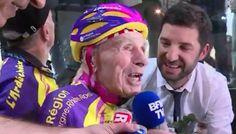 Robert Marchand, de 105 anos, quebrou um recorde mundial de ciclismo em Paris. Em 4 de janeiro de 2017, o ciclista francês pedalou 22,547km em uma hora. A impressionante marca é agora a maior distância pedalada em uma hora por alguém com 105 anos de idade ou mais velho. Ele já havia quebrado o recorde para pessoas com mais de 100 anos em 2012, com 26,927 km em uma hora. Marchand alega que poderia ter feito um tempo melhor, se não tivesse perdido o sinal de aviso de 10 minutosantes desua…