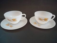 ANCHOR HOCKING / FIRE KING WHEAT DESIGN 2 CUP'S AND SAUCER'S   Great condition!