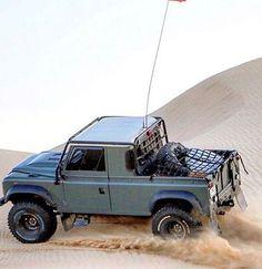 Land Rover Defender 88 pickup-Dessert extreme.