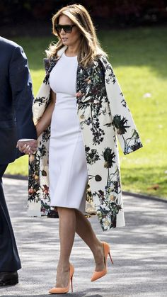 Milania Trump Style, First Ladies, Latest Outfits, Mode Vintage, Classy Outfits, Stylish Outfits, Timeless Fashion, Mantel, Fashion Models