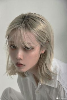 90s Grunge Hair, Short Grunge Hair, Hairstyles With Bangs, Pretty Hairstyles, Hair Inspo, Hair Inspiration, Maquillage On Fleek, Photographie Portrait Inspiration, Corte Y Color