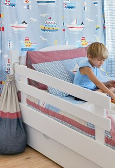 Need to build a guardrail for a bunkbed...this could work!  Looks easy too.  Image detail for -bed safety rail product description keep your child safe in bed with ...