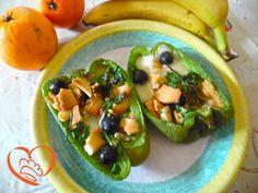 Peperoni ripieni di scamorza e olive http://www.cuocaperpassione.it/ricetta/392d1f4c-9f72-6375-b10c-ff0000780917/Peperoni_ripieni_di_scamorza_e_olive