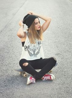 Cute Hipster Outfits For Girls: As you can see cute hipster outfits celebrate the unique and individual person you are. But before you let yourself go berserk with cute hipster outfits, do consider what touches will work with the way you look. Cute Hipster Outfits, Hipster Fashion, Grunge Fashion, Look Fashion, Teen Fashion, Casual Outfits, Womens Fashion, Hipster Indie, Female Hipster