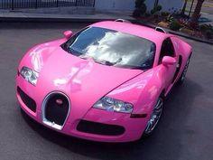 El cantante Flo Rida pinta un Bugatti Veyron color rosa como parte de una campaña contra el cancer en las mujeres