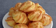 Aluat pentru Ecler si Choux a la Creme - Rețete Papa Bun Cake Recipes, Snack Recipes, Cooking Recipes, Romanian Food, Food Cakes, Nutella, Creme, Garlic, Home