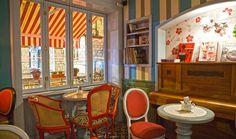 Αχνιστός καφές, ωραία και ζεστή ατμόσφαιρα, ταξιδιάρικες μουσικές, στάλες της βροχής στα θαμπωμένα παράθυρα. Δώδεκα όμορφα στέκια, ατμοσφαιρικά και με άποψη, για τα χειμωνιάτικα ραντεβού μας.
