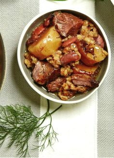 Cholent remains our favorite Shabbos morning breakfast. Jewish Recipes, Czech Recipes, Passover Recipes, Holiday Recipes, Dinner Recipes, Shabbat Dinner, Israeli Food, Kosher Recipes, Cucina