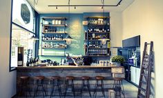 Bouzy, Wine & Food opened The Hague. The wine & bites bar was founded by Martijn Verbruggen and Stefan Verleer and is a place where wine lovers will feel at home.
