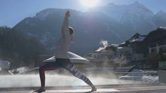 Guter Start in den Tag . Spa, Hotels, Wellness, Yoga Flow, Feeling Happy, Stock Video, Videos, Feelings, Tags