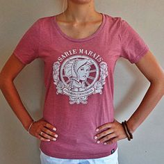 Sarie-Ladies Shirt Designs, V Neck, Afrikaans, My Style, Lady, Tees, T Shirt, Stuff To Buy, Vintage