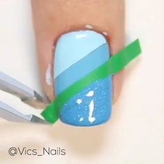 simple nail designs Quick and simple nail design for you to try at home Credits: vics_nails Girls Nail Designs, Nail Art Designs Videos, Blue Nail Designs, Nail Design Video, Nail Art Videos, Diy Nail Designs, Simple Nail Art Designs, Acrylic Nail Designs, Cute Simple Nail Designs
