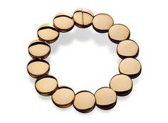 Vhernier http://www.vogue.fr/joaillerie/shopping/diaporama/pieces-d-or-bijoux-aurelie-bidermann-herve-van-der-straeten-jem-sylvie-corbelin/14108/image/786617#!pieces-d-039-or-bijoux-vhernier