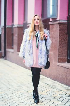 Blogger @cityfashionfood looks so sweet in this look. Big fur with cool shoes.
