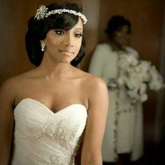 Beautiful African American Black Bride Sweetheart neckline wedding dress http://beautifulbrownbride.blogspot.com/