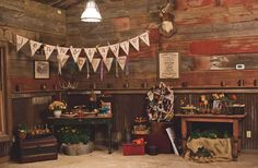 Outdoor Ranch Wedding: Rustic decor