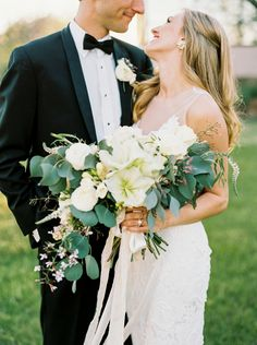 Eucalyptus wedding bouquet | Photography:  Hannah Mayson