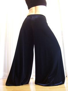 One of the most amazing pantaloons I found online. 2 variations available; regular and dance. And made in your size!