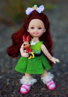Barbie Kids, Baby Things, Christmas Ornaments, Holiday Decor, Disney, Christmas Jewelry, Christmas Decorations, Christmas Decor, Disney Art